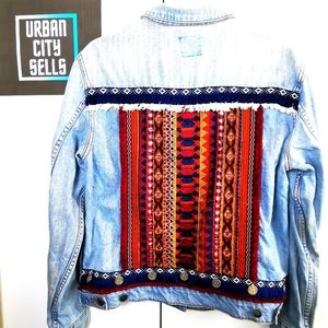 Sportsgirl Jean Jacket sz 10 Denim Wash coat button front witb Tribal Contrast S